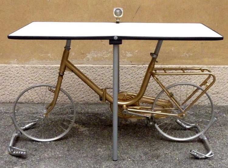 Alice Leonardi, tavolo bicicletta
