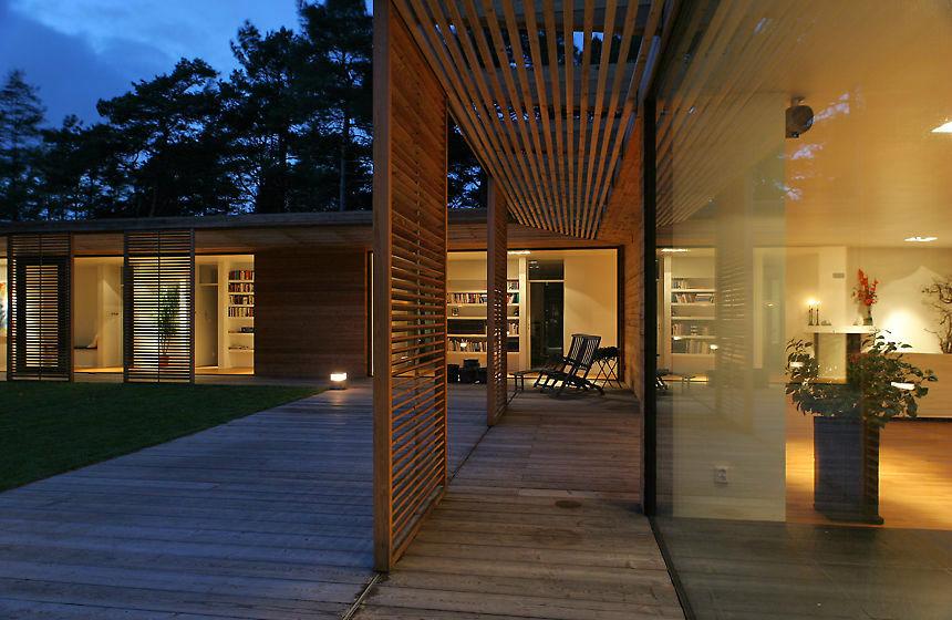 Bergman werntoft house casa ecosostenibile e minimal in for Casa ecosostenibile prefabbricata