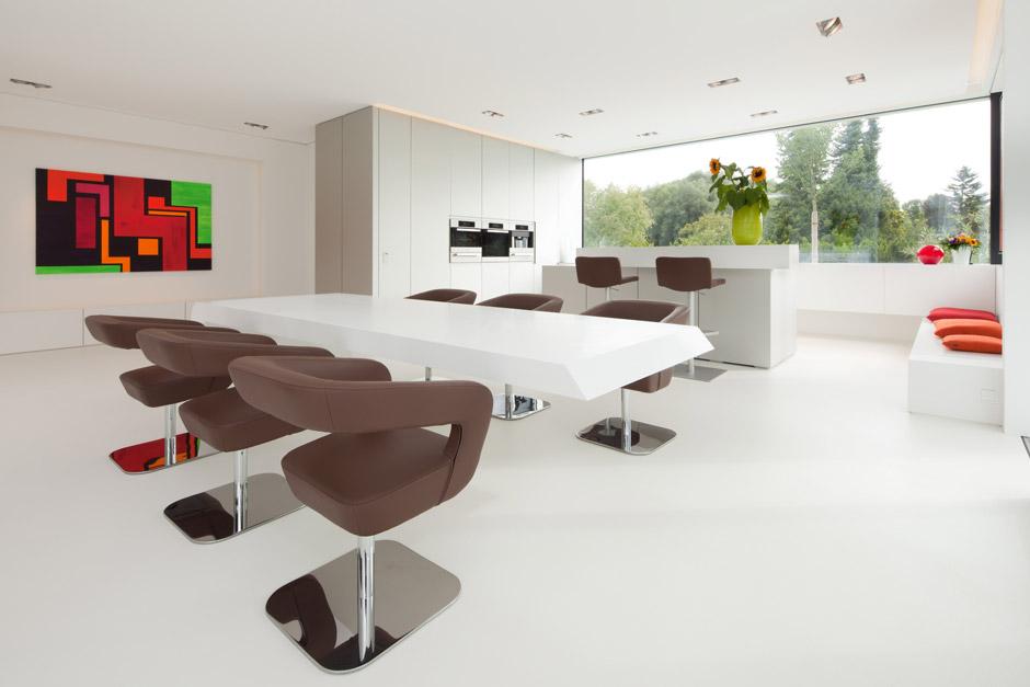 Villa in Baviera, architettura e arredamento realizzati in Pietra Acrilica HI-MACS®