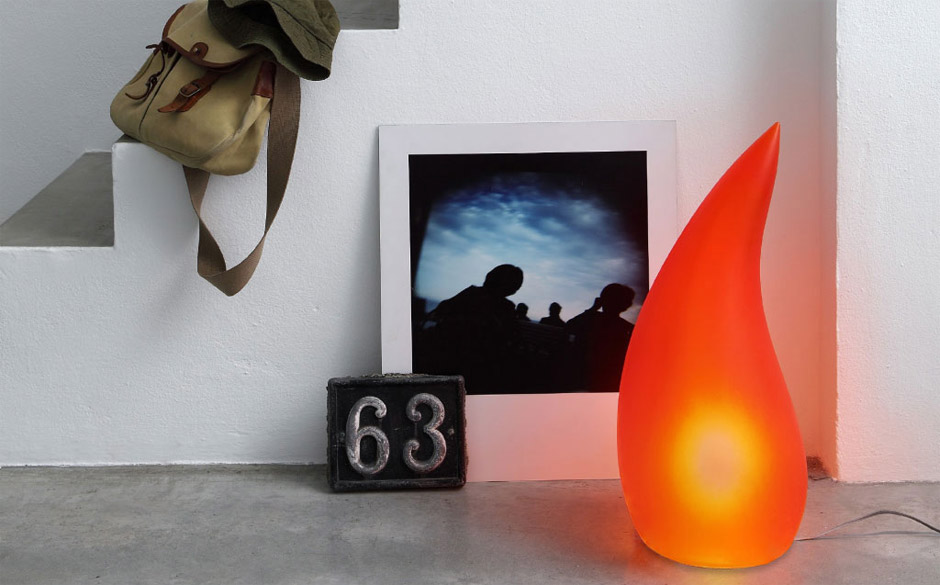 Fiammella, lampada in gel poliuretanico da tavolo o lampada da terra per interni