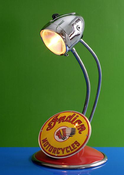 Lampada Indian di Maurizio Lamponi, luce di motocicletta