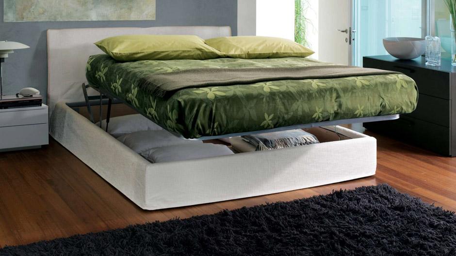 il letto imbottito nella camera da letto chateau d ax