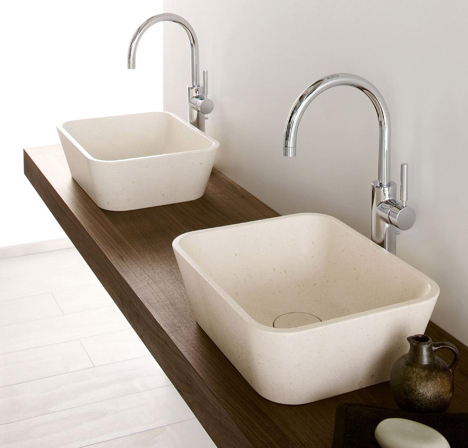 Lavabo in pietra e mensola in legno di noce, Collezione Duo by Neutra