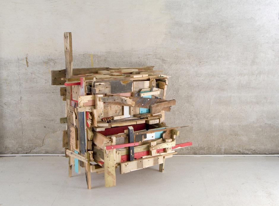Mobile in legno riciclato, Godspeed