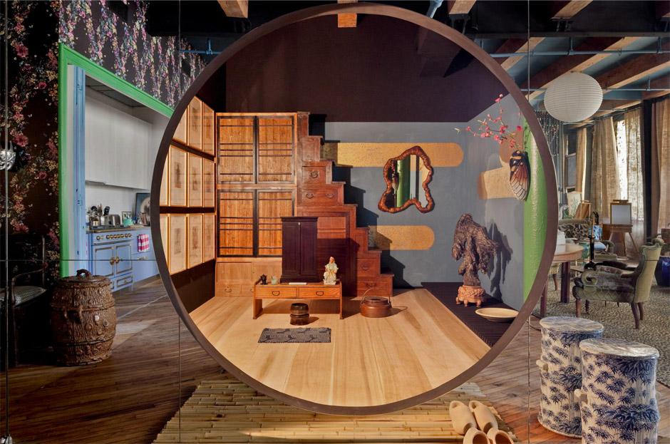 Loft di Agyness Deyn, Arredamento Kitsch, Specchio
