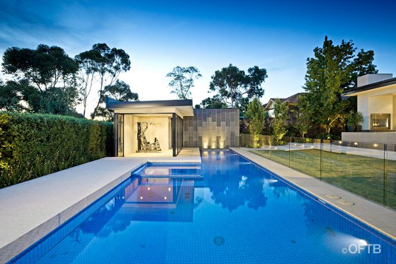 La Piscina nell'Architettura del Paesaggio, Out from the Blue